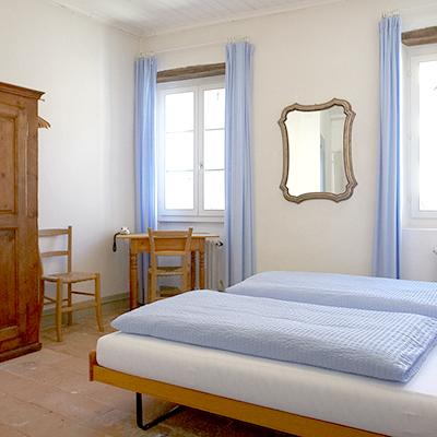 In den einfach aber hübsch hergerichteten Zimmern kann man entspannen