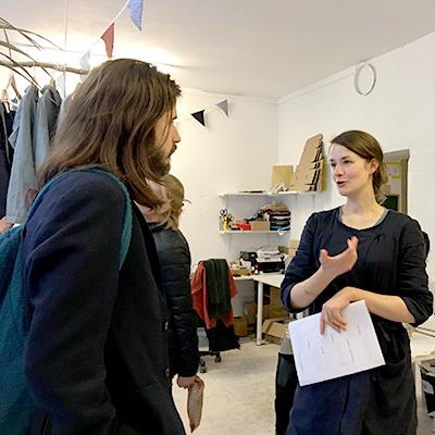 Im Atelier der Modedesignerin