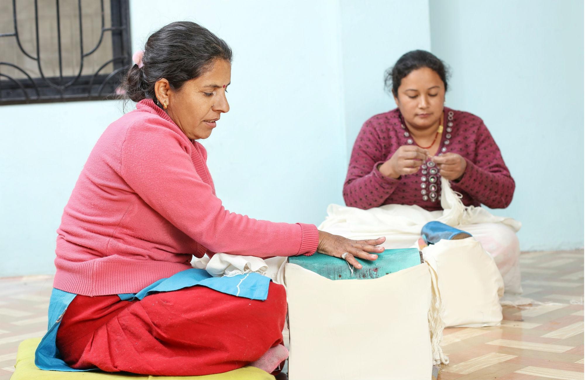 Fransenbearbeitung in Nepal