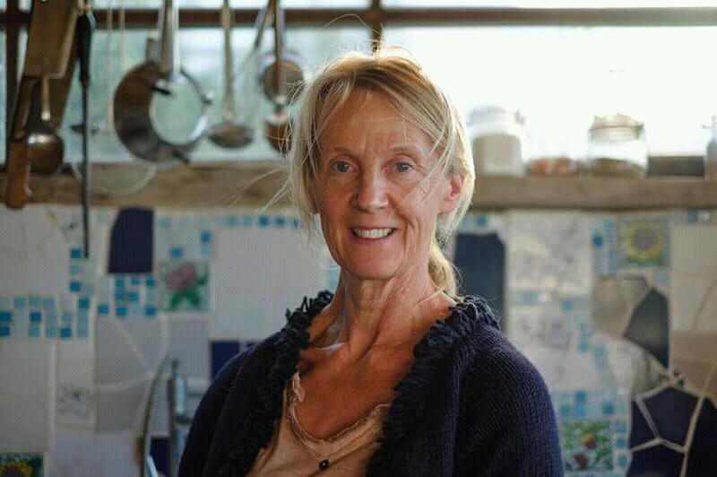 Lydia, die Besitzerin der Atelierwohnungen