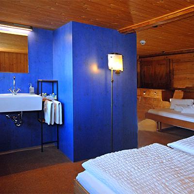 Die Zimmer sind nach Sternzeichen oder Elementen eingerichtet. Hier das Schütze-Zimmer.