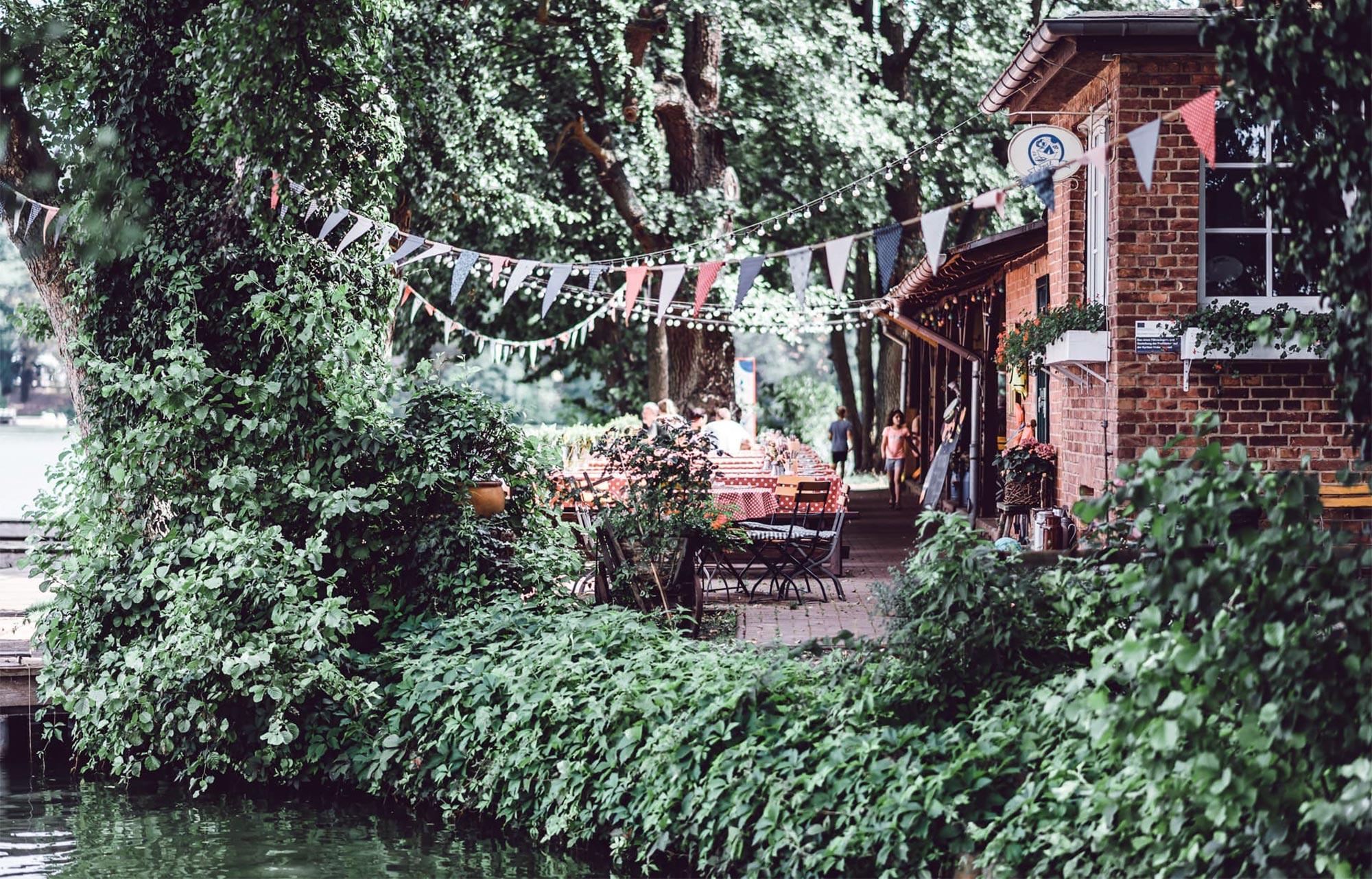 Ein Ort zum Entspannen, Genießen, Plantschen, Paddeln, Wohlfühlen und natürlich zum Schlemmen