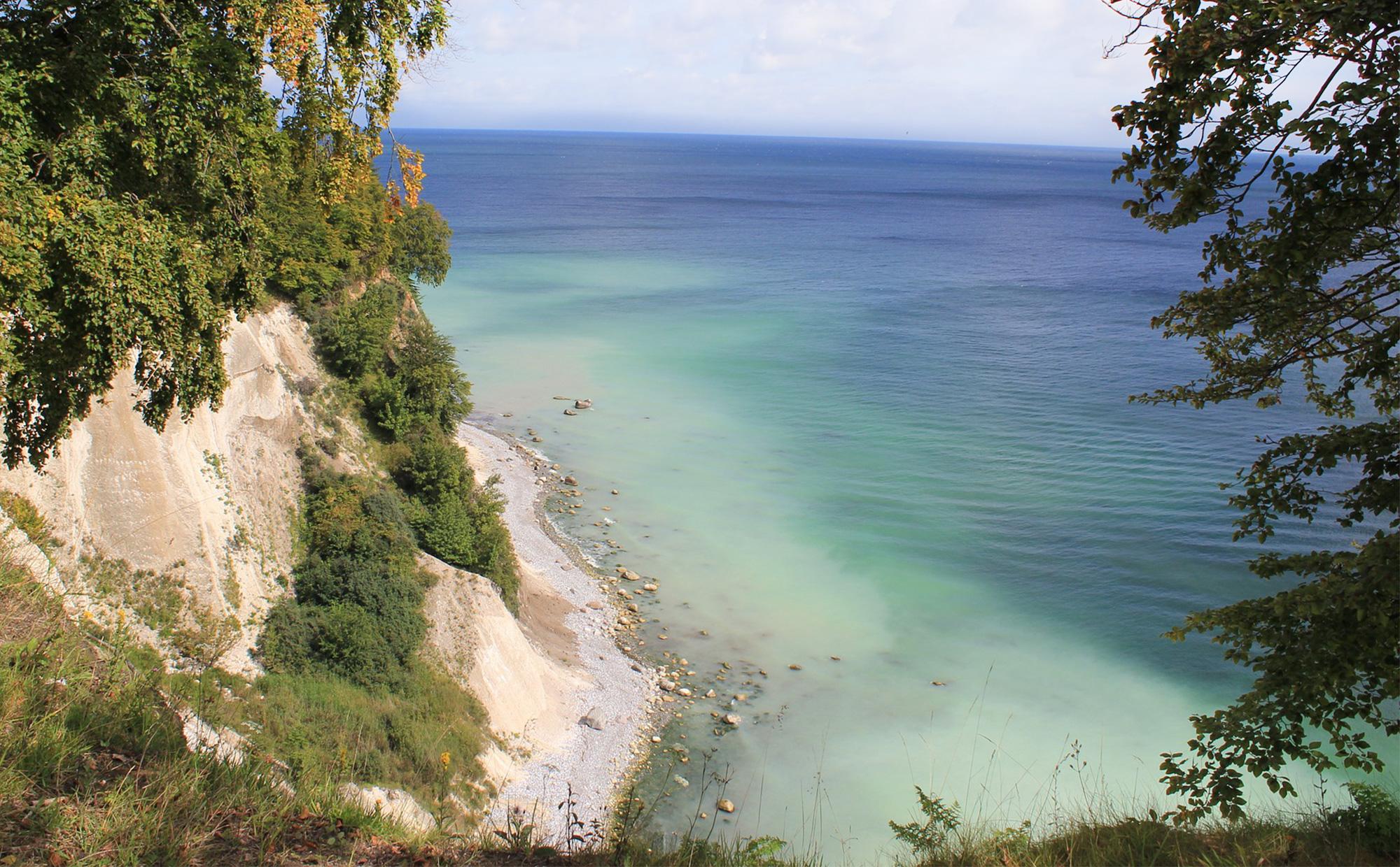 Die weiße Kreideküste des Nationalpark Jasmunds erinnert so manch einen an eine griechische Insel