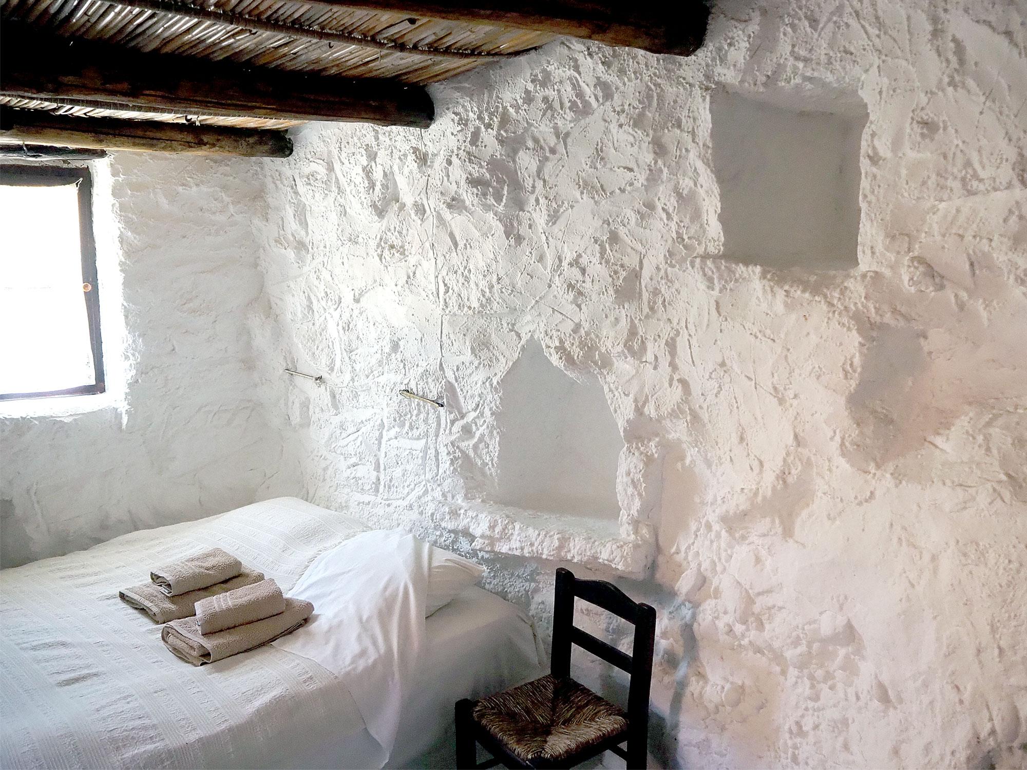 Das Schlafzimmer in einem der Zimmer des Potamos