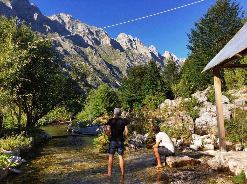 Die Jungs von Welttournee in den albanischen Alpen (Fotocredits: Klie Streicher)