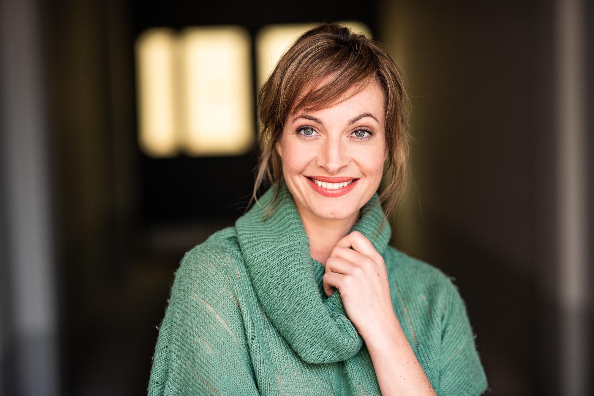 Die Schauspielerin Dagny Dewath stellt sich in ihrem Podcast den großen und kleinen Fragen der Klimakrise (Fotocredits: Alan Ovaska)