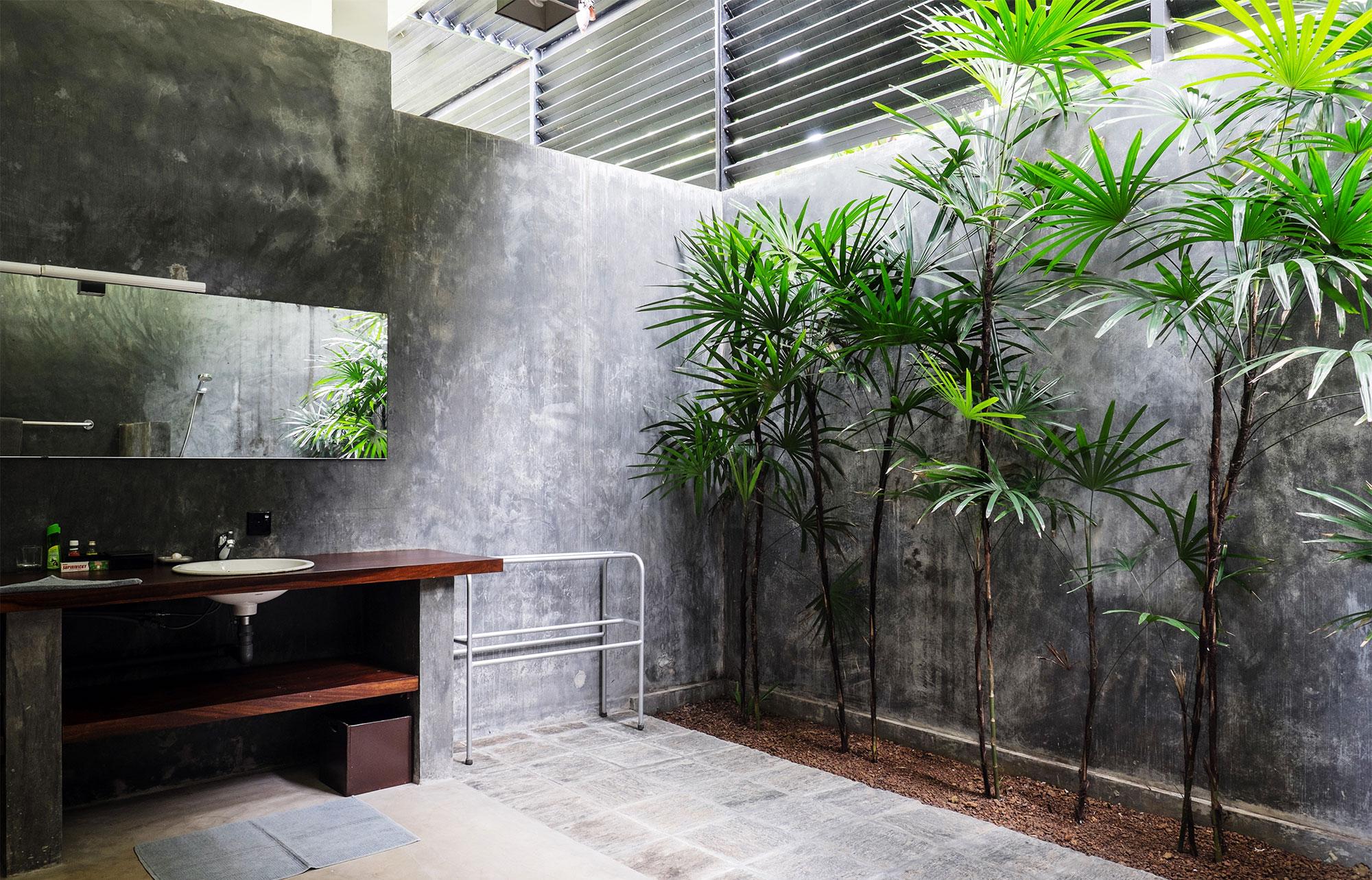 Badezimmer im Araliya Bungalow im Ayurveda Resort der one world foundation in Ahungalla, Sri Lanka, Foto: Andrea Alessandri