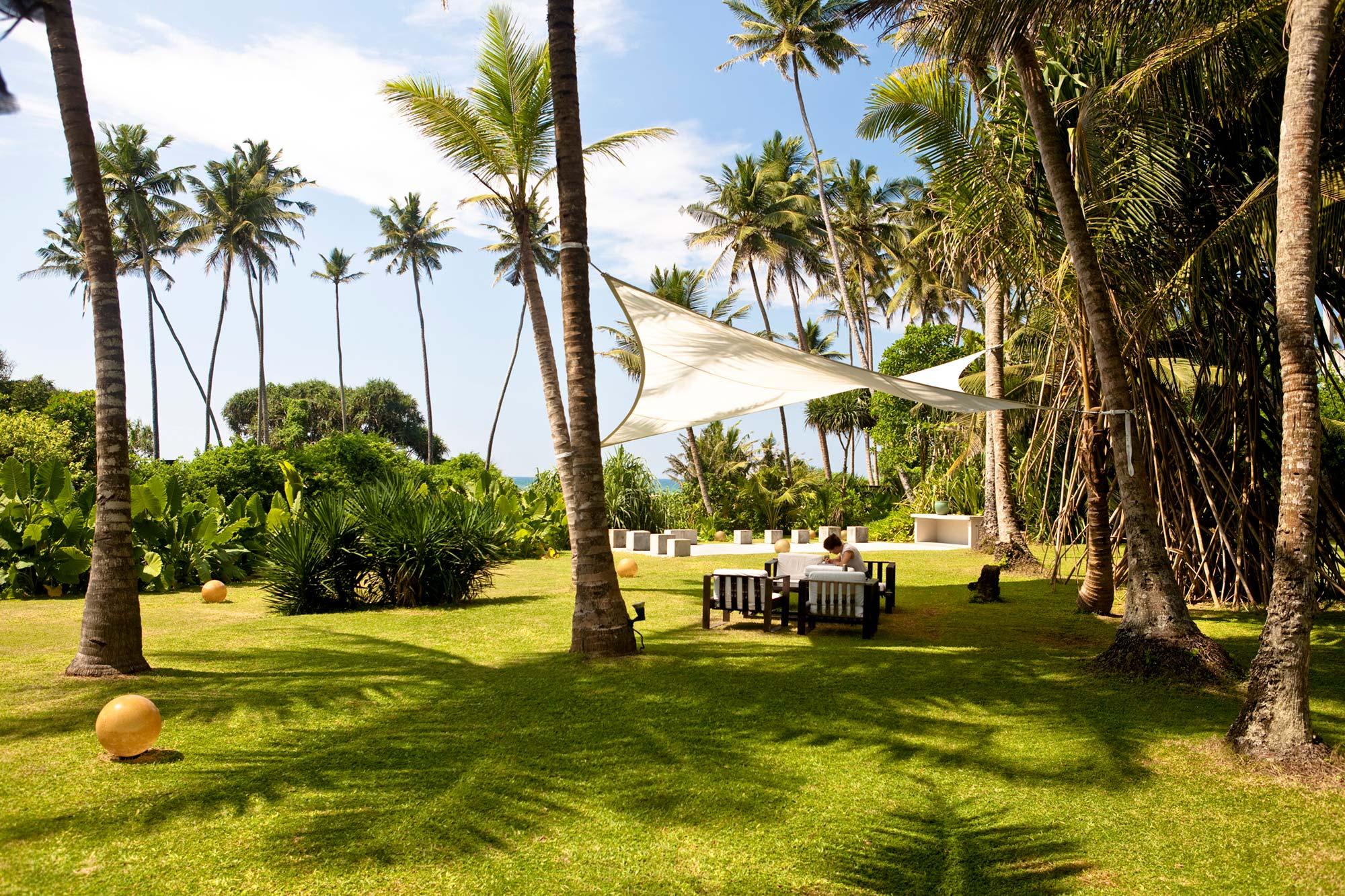 Gartenanlage des Ayurveda Resorts der one world foundation in Ahungalla, Sri Lanka, Foto: Thomas Wirthensohn