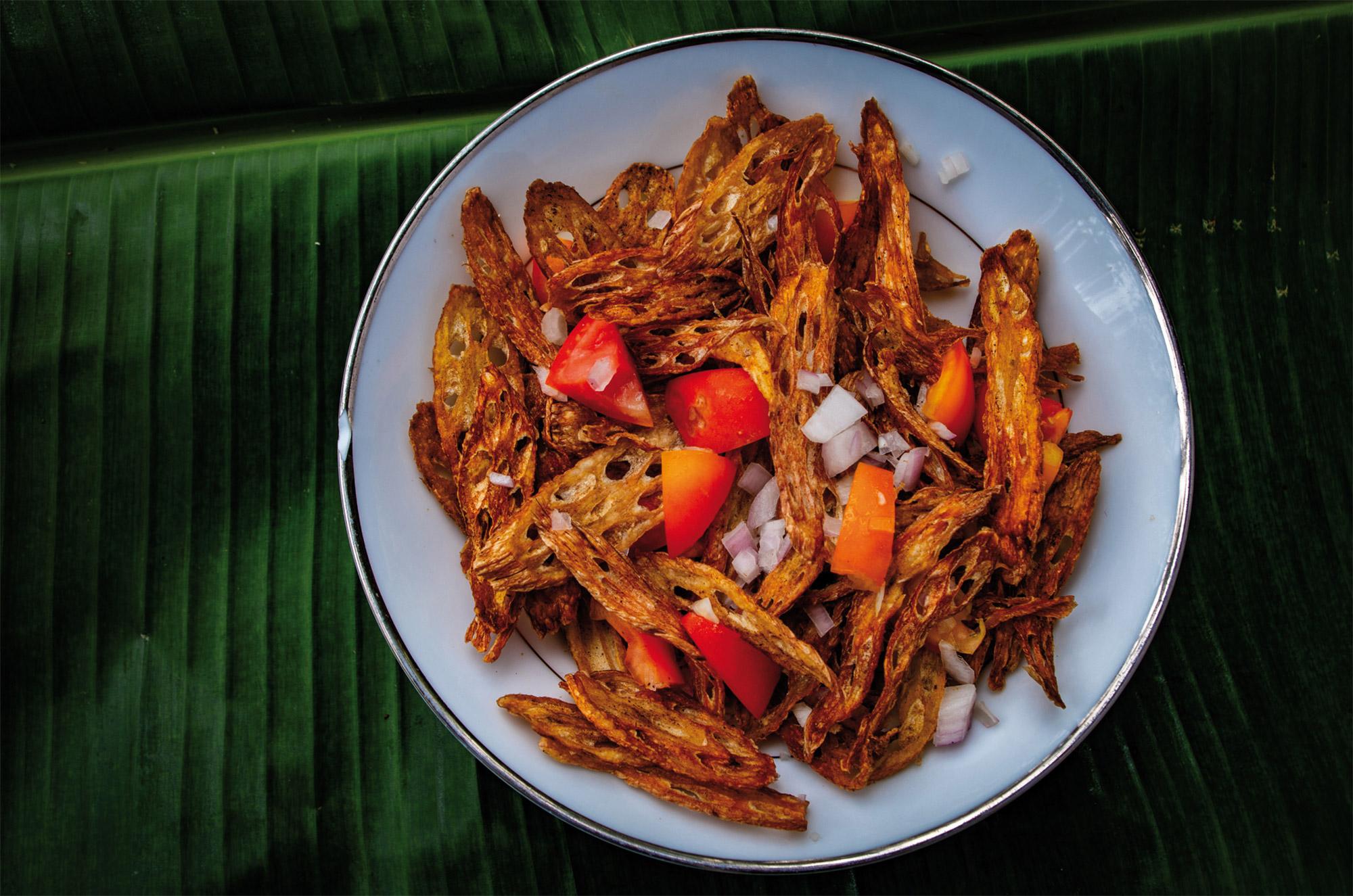 Lotuswurzel-Salat im Ayurveda Resort der one world foundation in Ahungalla, Sri Lanka, Foto: Ronald Jaklitsch
