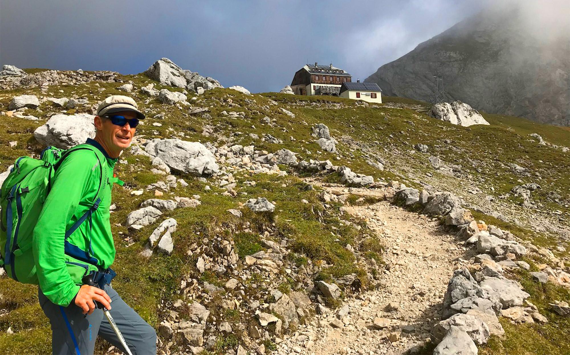 Klaus bei einer Wanderung durch die schöne Umgebung