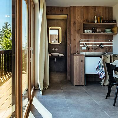 In den Tiny Houses der art lodge das Leben auf kleinem Raum ausprobieren