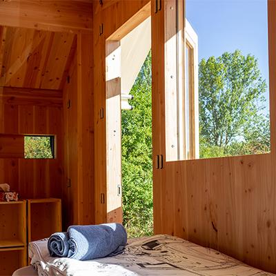 Viel Holz dominiert die Hütten im WERKHAUS-Stil