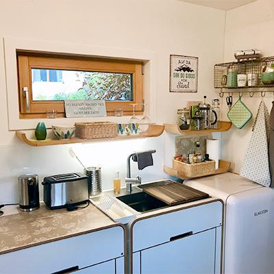 In der gut ausgestatteten Küche kann man sich problemlos selbst versorgen
