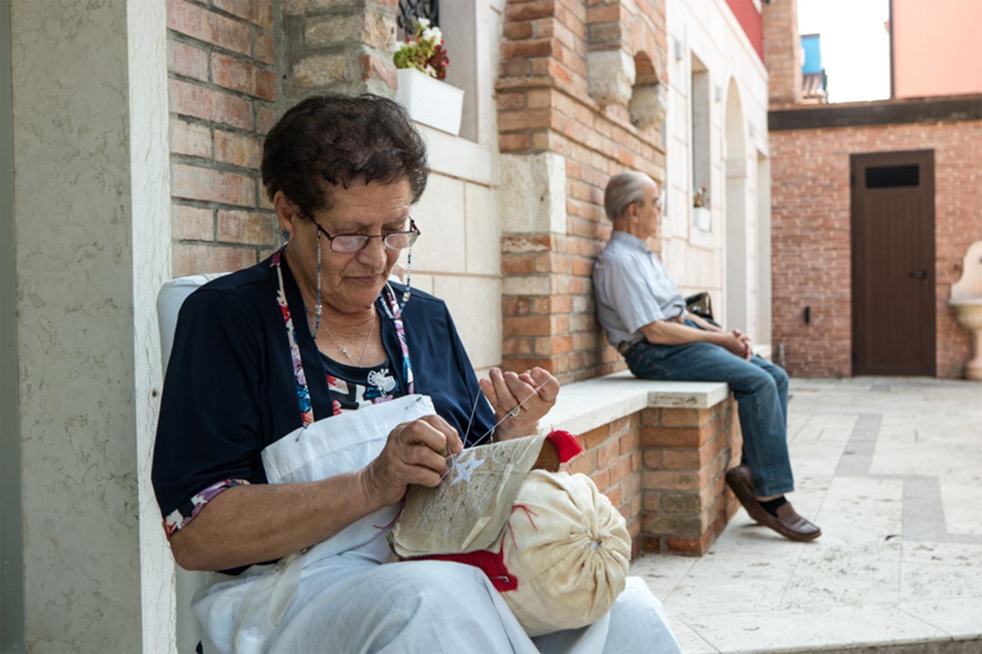 Auf Touren lernen, wie die typisch venezianischen Masken entstehen