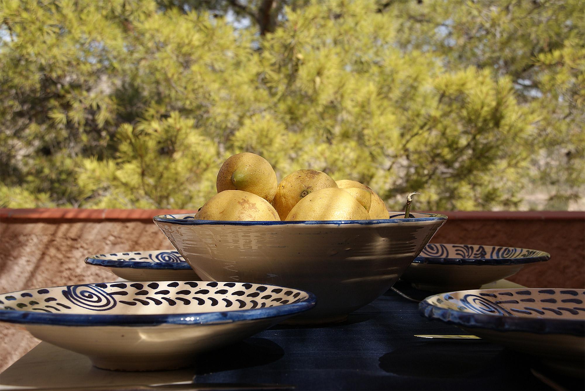 Speisen auf der Terrasse des Öko-Ferienhauses Finca de Foyeta