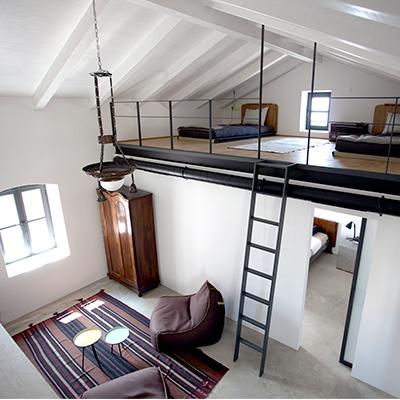 Im Ferienhaus mit Schlafgalerie finden vier Personen Platz