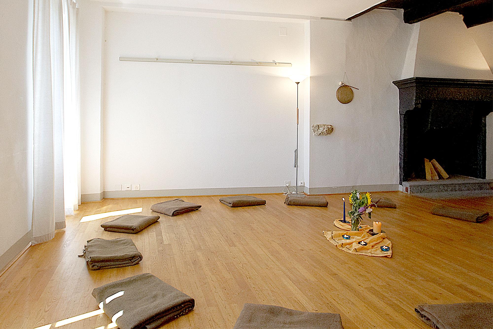 Der Seminarraum der Casa Santo Stefano ist mit Kastanienholzfußboden ausgestattet