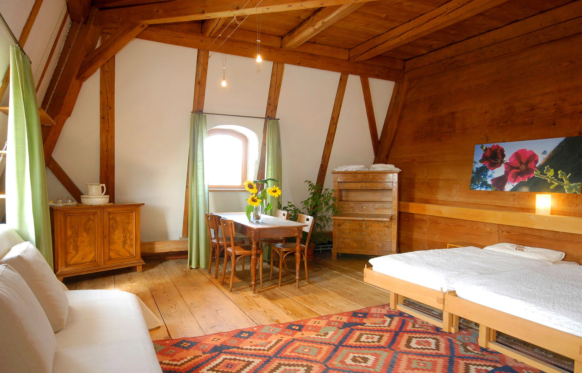 Experience cosiness in the rooms of the Rössli Mogelsberg