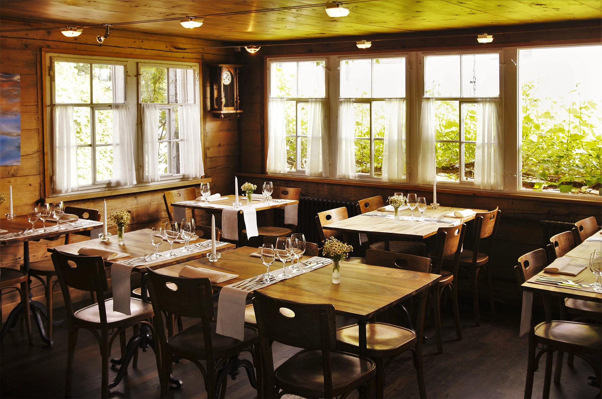 Fresh, organic gourmet cuisine is served in the Säli