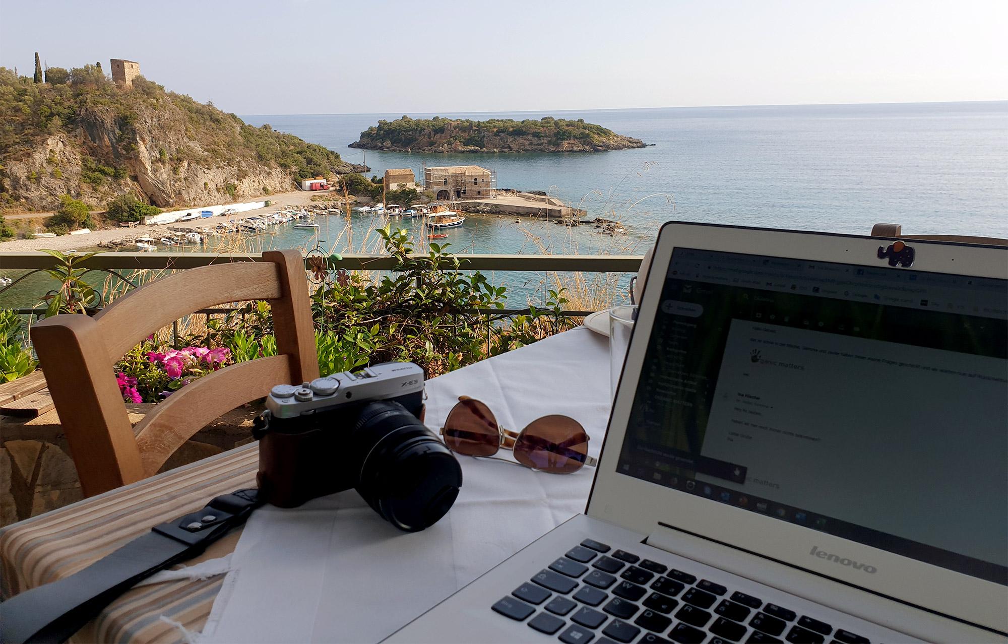 Büro mal anders: Dieses Bild entstand in Kardamili, Griechenland