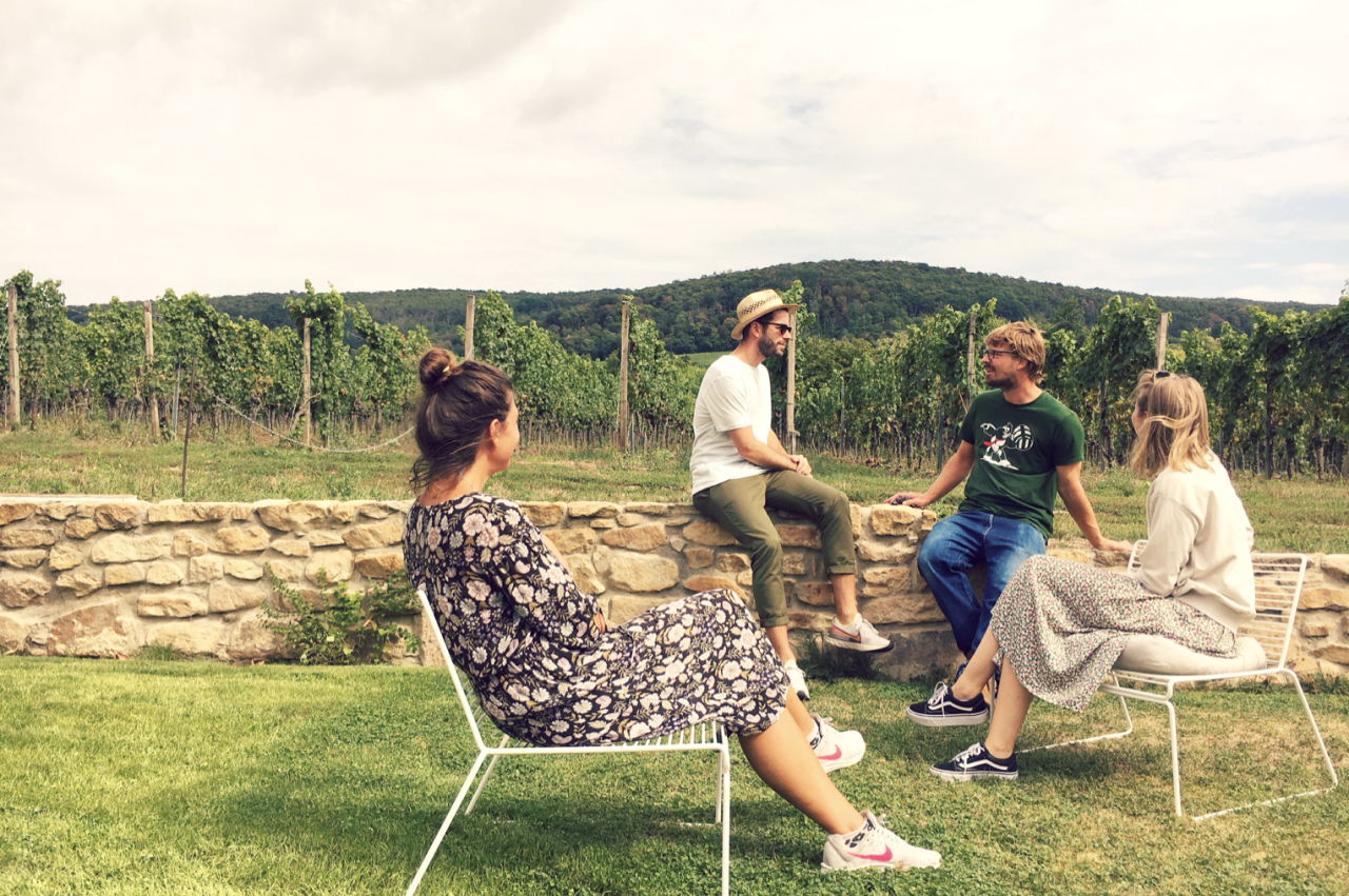 WineStreet offers offline and online events on the topic of wine