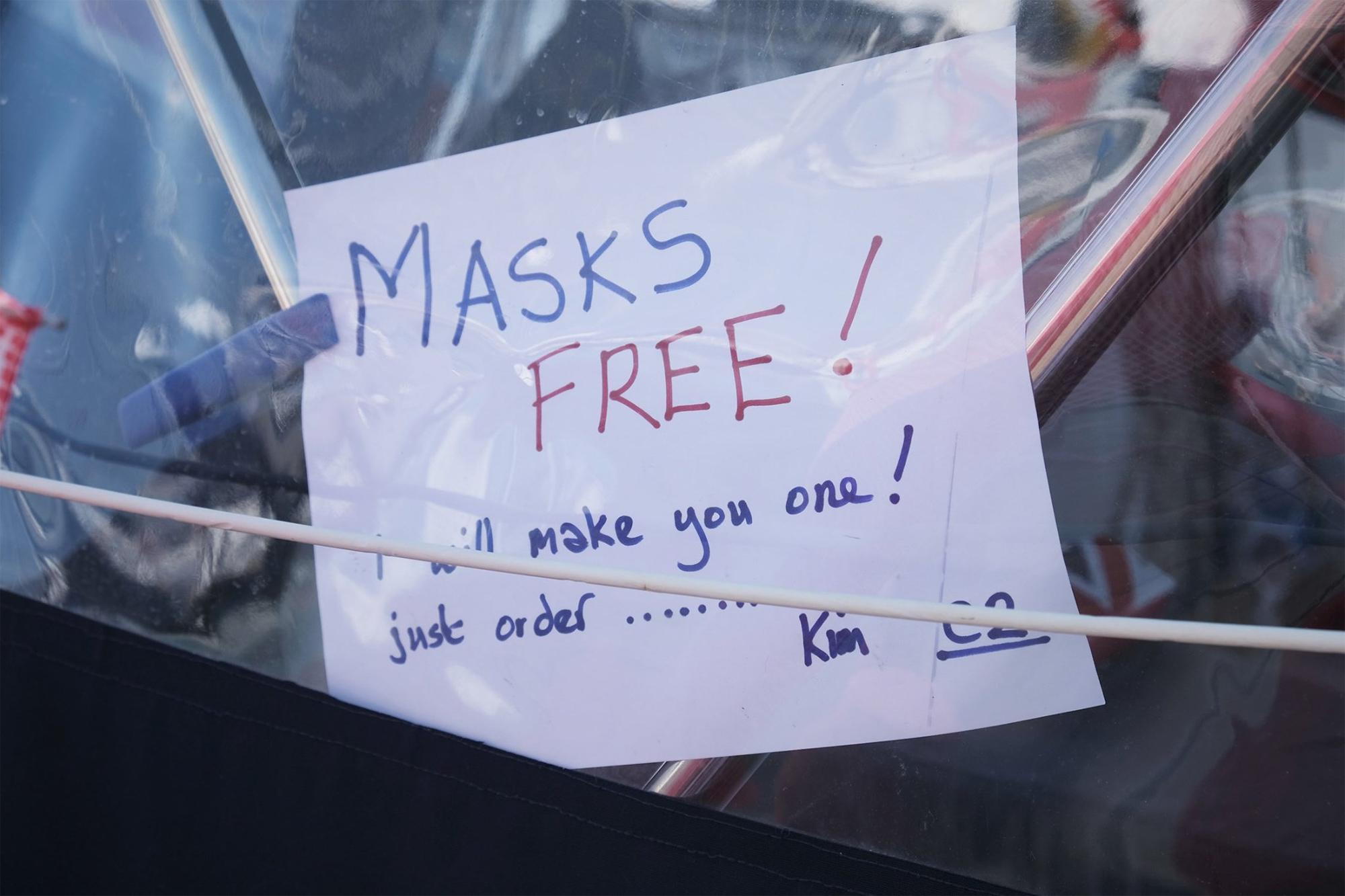 Kostenlose Masken für die Winter-Community