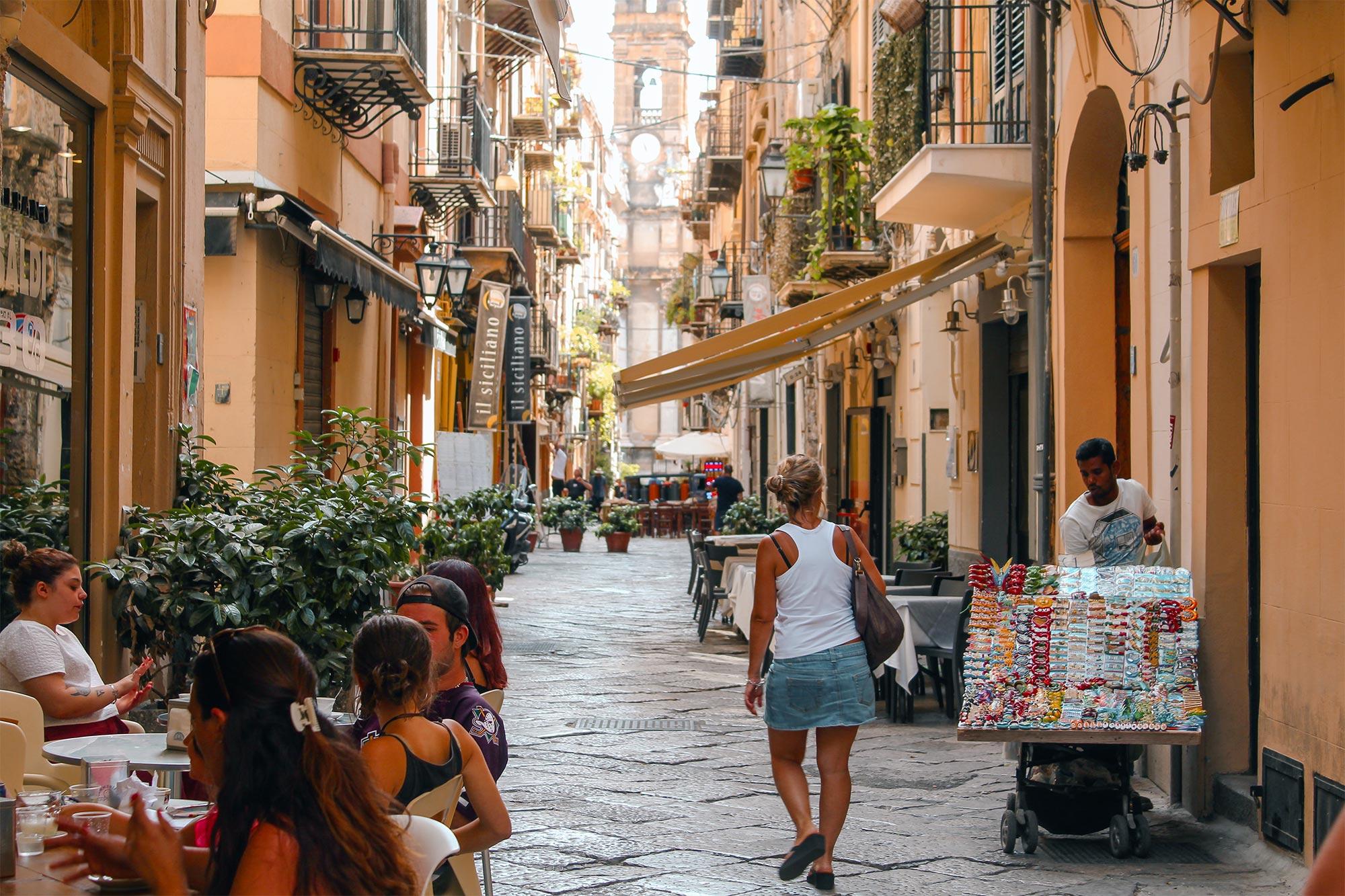 Blick in eine sizilianische Gasse