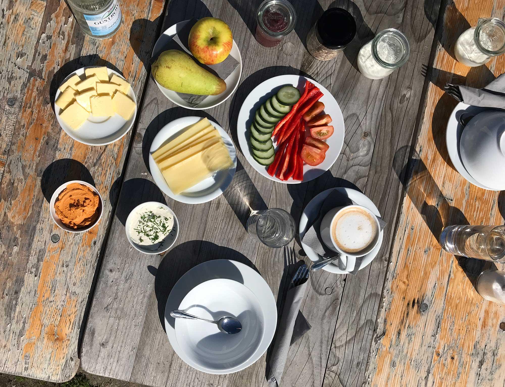 Ein köstliches Frühstück auf dem Gut Boltenhof