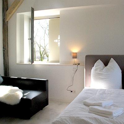 Blick ins Schlafzimmer vom B&B Fuchs & Hase