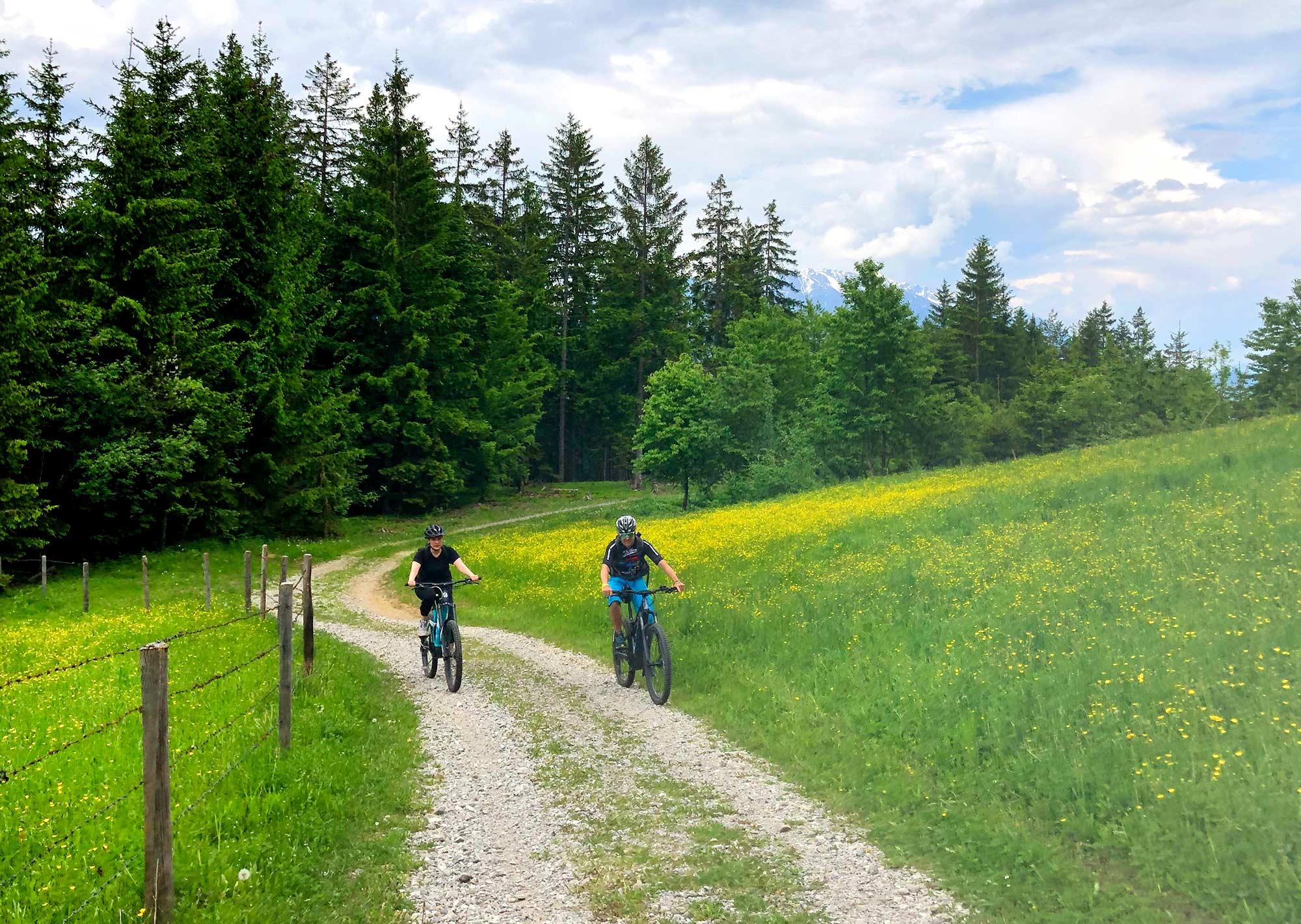 Ab auf den Berg mit den E-Bikes