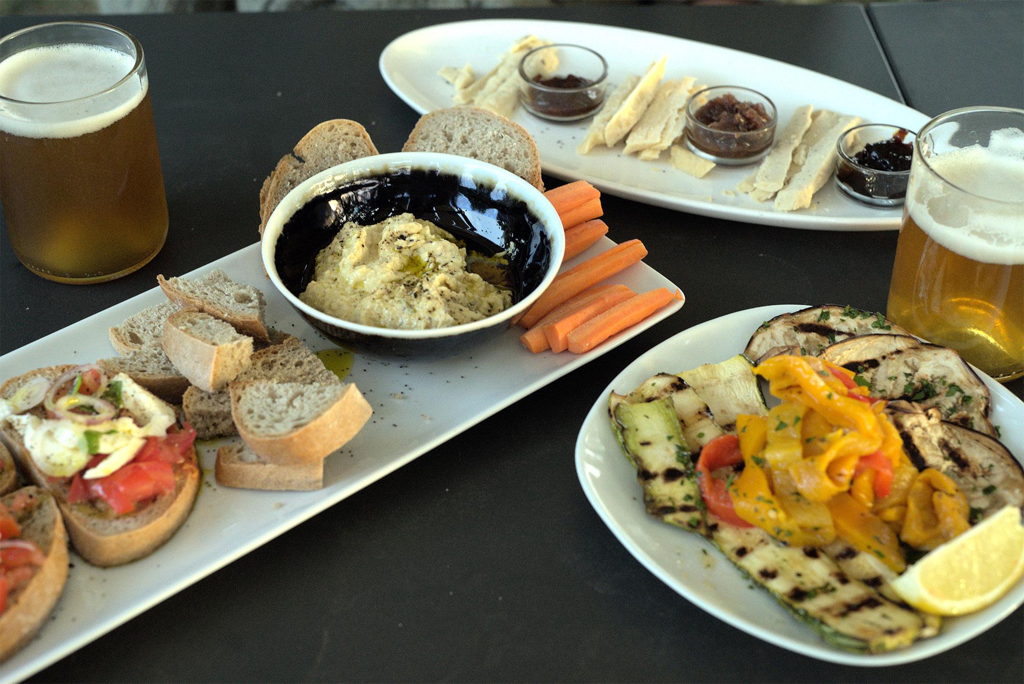 Die vegane Käseplatte schmeckt hervorragend