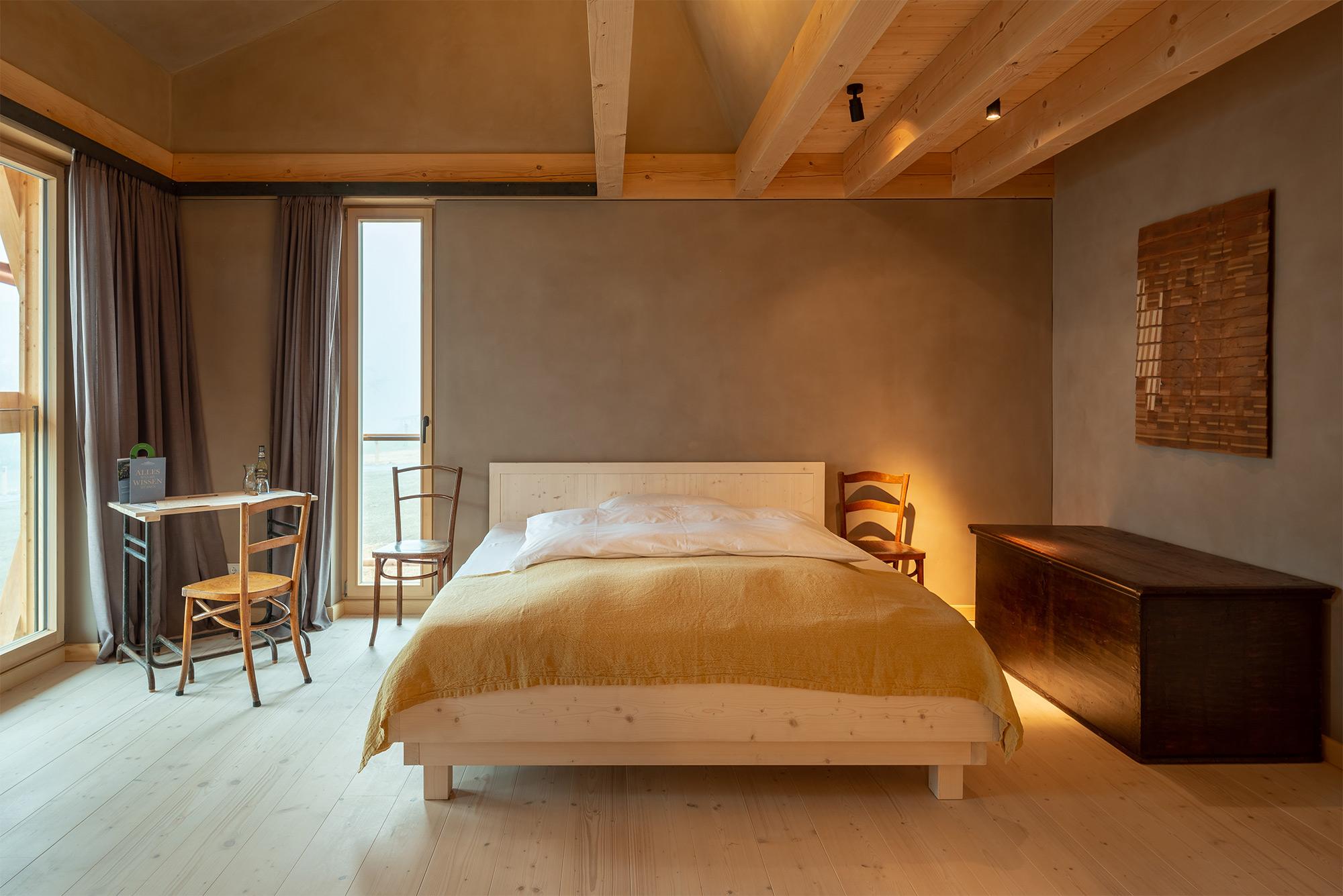 Design-Lehmputz im Bauernhaus Sonnenhausen kennenlernen