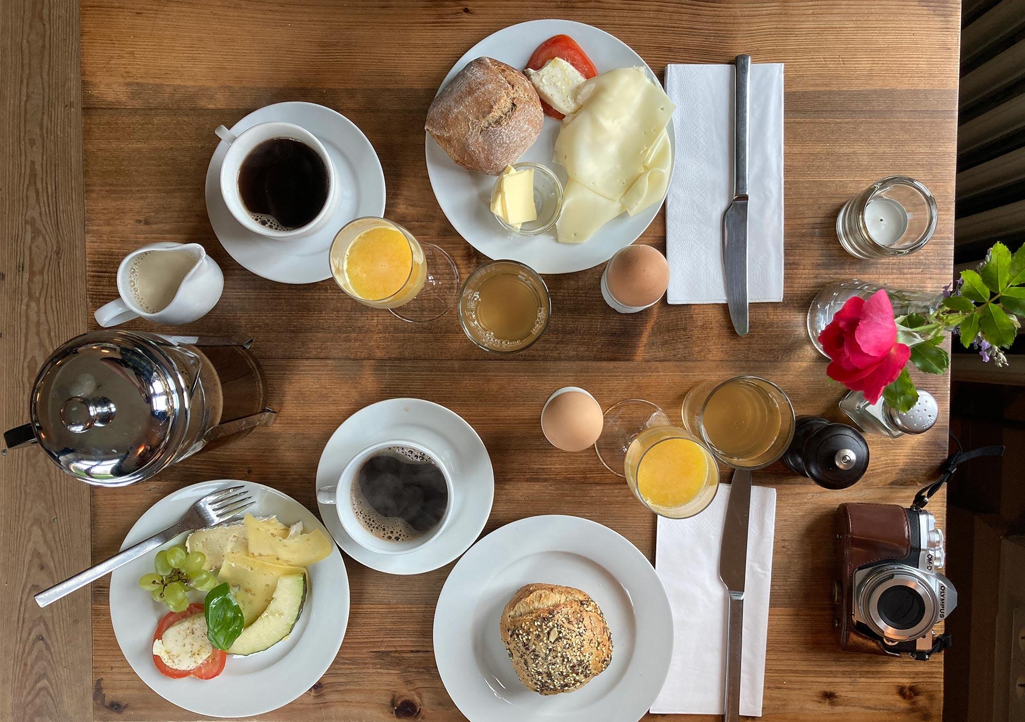 Ausgiebig frühstücken im Haupthaus des Gutshaus Lexow